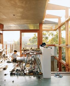 Impressed by tropical village compounds where indoors and out flow into each other, architect David Hertz has transported this idea of an ecological village to his Venice, #California compound, which is an exuberant presence on a confined city lot.