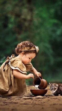 A Wonderful Life So Cute Baby, Baby Kind, Cute Little Girls, Cute Babies, Precious Children, Beautiful Children, Beautiful Babies, Animals Beautiful, Baby Girl Images