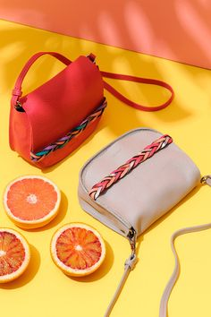 Joe: 20 accesorios para un look millennial Film Photography Tips, Photography Bags, Web Minimalista, Insulated Lunch Bags, Everyday Bag, Womens Tote Bags, Fashion Bags, Leather Handbags, Dame