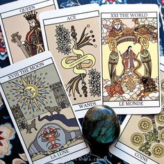 Cards from the Tarot Lovers' Tarot by Karyn Easton / Photo © www.VioletAura.com