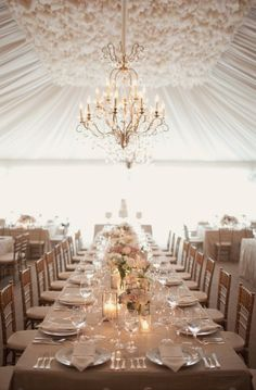Wedding table setting crystal chandelier http://vasemarket.com/wedding-and-party