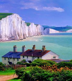 Seven Sisters Cliffs, near Seaford town, East Sussex, England.  Credit: miquitos.
