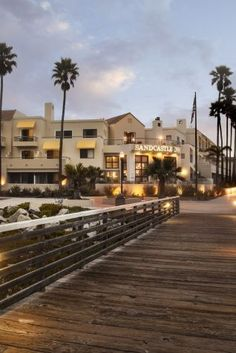 Experience the 4-star Marina del Rey Hotel with new guest rooms, waterfront location, & SALT restaurant. Close to Venice Beach. Book direct for best rates.