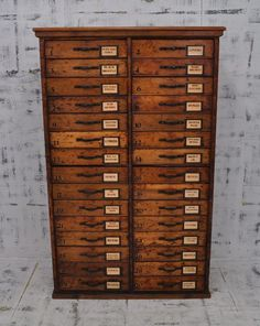 Antique chest drawer: