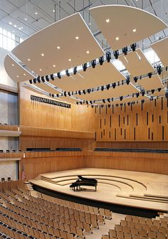 The Peter Kiewit Concert Hall at the Holland Performing Arts Center - Omaha, Nebraska Theatre Architecture, Interior Architecture, Auditorium Architecture, Conceptual Architecture, Hall Design, Theatre Design, Auditorium Design, Music Theater, Theater Rooms