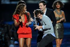 Pin for Later: 19 Celebrities Who Had a Really Hard Time Hiding Their Love of Beyoncé Andy Samberg could barely keep it together at the 2009 VMAs.