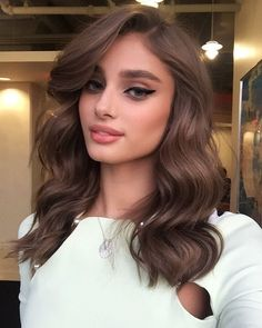 "Harry Josh on Instagram: ""Yep folks at even 530 am this girl is as fresh as a daisy the gorgeous @taylor_hill talking about the @victoriassecret fashion show which airs on @cbstv tomorrow 10pm EST 9pm PST make up by @hungvanngo and hair by me using #HarryJoshProTools 2n1 curling iron ❤️❤️❤️"""