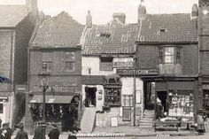 49 images that capture how the North East lived, worked and played back in 1900 - Chronicle Live Tudor History, British History, Asian History, 19th Century London, Dubrovnik Old Town, Strange History, History Facts, Portugal, Great North