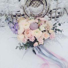 A snowy winter wedding can bo so beautiful.  #northforkweddings #hamptonsweddings @Regrann from @weddingforward -  Fairytale winter wedding bouquet by @lublu_celyu.  @margoermolaeva with decor by @ona_skazala_da  Double tap if you like this style  -------------------------------------------------- #wedding #weddings #weddingideas #weddingplanner #weddingplanning #bride #weddinginspiration #weddinginspo #bridesmaids #bridesmaid #weddingflowers #weddingcake #engaged #rusticwedding #bohobride…