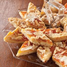 RECIPE Scandinavian Apricot Almond Bars from Scandinavian Classic Baking - Quick Recipes Scones, Apricot Bars, Apricot Ideas, Apricot Recipes, Almond Recipes, Cookie Recipes, Dessert Recipes, Polenta Recipes, Crack Crackers
