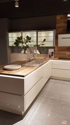 """modern luxury kitchen design ideas that will inspire you 35 """"Interior Design - Kitchen Ideas - Kitchenideas 2020 Luxury Kitchen Design, Luxury Kitchens, Interior Design Kitchen, Home Kitchens, Modern Kitchens, Industrial Kitchens, Kitchen Modern, Tuscan Kitchens, Eclectic Kitchen"""