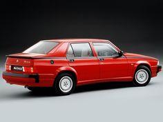 Alfa Romeo 75 V6 3.0 Quadrifoglio Verde (1988 – 1992).