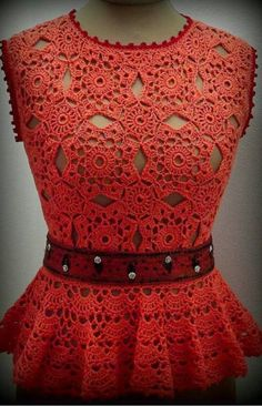 Beautiful red crochet blouse with step by step - Crochet Pattern Yarns