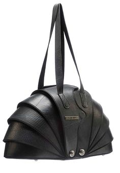Tatou handbag: nautilus inspired biomimicry