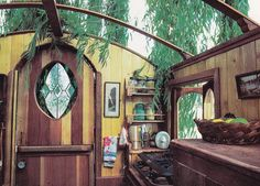 1979 Tiny-truck Conversion Home Interior. And a removable canvas roof for those really nice days?  Interestingly pioneer-type (and likely leaky) choice...  Rolling Homes: Handmade Houses on Wheels by Jane Lidz, Published 1979 by A & W Publishers, Inc.
