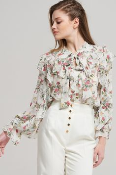 Ella Bouquet Floral Blouse Discover the latest fashion trends online at storets.com