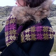 The Ravelry pattern includes 3 PDF's: in English, French and Icelandic