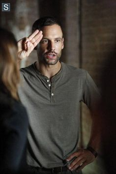 """#AgentsofSHIELD 2x02 - """"Heavy is the Head"""" - Nick Blood as (Lance Hunter)"""