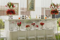 12 ideas originales para tener una barra de bebidas inolvidable #drinks #bebidas #pinky #girly #sweetdrink #alcohol #party #funday #funtime #friends #wedding  #novia #boda #matrimonio #matrimoniocompe #openbar #weddingbar #happyhour Happy Hour, Ideas Originales, Alcohol, Wreaths, Home Decor, Wet Bars, Receptions, The Originals, Bebe