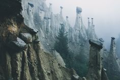Surreal Earth Pyramids in the Alps by Kilian Schönberger – Fubiz Media