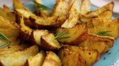 29 receitas de berinjela no forno para refeições mais leves e saudáveis Potato Salad, Potatoes, Ethnic Recipes, Sauce Recipes, Russian Salad Recipe, Greek Salad Recipes, Yummy Snacks, Ethnic Food, Preserve