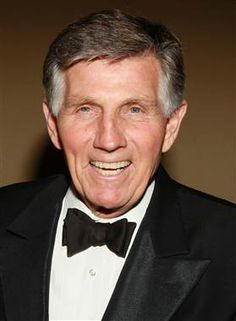 Actor, TV host Gary Collins dead at 74 (Photo: David Livingston / Getty Images file)