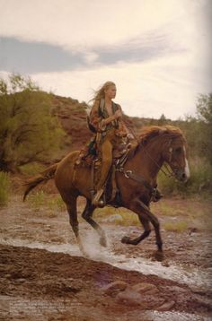 Horseback Riding across some dusty place Western Riding, Trail Riding, Horse Riding, Cowgirl And Horse, Horse Love, Cow Girl, Horse Girl, Tierischer Humor, Westerns