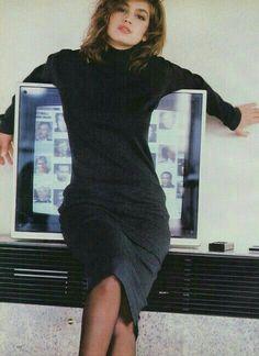 , Vogue US, July 1986 Photographer : Wayne MaserModel : Cindy Crawford Cindy Crawford, 80s Fashion, Fashion Beauty, Fashion Shoot, High Fashion, Original Supermodels, 90s Models, Vogue Us, Vintage Vogue