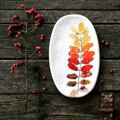 """133 Likes, 3 Comments - pracownia Kasi (@pracownia_kasi) on Instagram: """"Mróz na dworze, ale jeszcze jesień w końcu! Autumn on the plate. #pottery #ceramics…"""""""