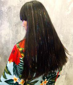 Festival Hair Ideas, So You Can Whip Your Hair Back and Forth All Weekend Long Festival season i Hair Tinsel, Glitter Hair, Fairy Hair, Hair Grips, Hair Tattoos, Festival Hair, Aesthetic Hair, Stylish Hair, Hair Art