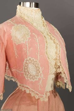 Pretty pink for strolling on summer days. pink linen skirt and bolero ensemble sold by Augusta Auctions. Edwardian Clothing, Edwardian Dress, Antique Clothing, Historical Clothing, Victorian Dresses, Antique Toys, 1900s Fashion, Edwardian Fashion, Vintage Fashion