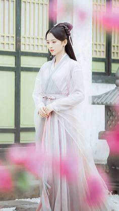 Legend of White Snake 《新白娘子传奇》 - Alan Yu and Ju Jing Yi Lux Fashion, Ancient Beauty, China Girl, Chinese Clothing, Chinese Actress, Hanfu, Chinese Style, Traditional Dresses, Dramas