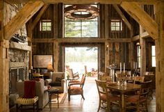 Great if you have a house party (barn renovation) Modern Barn, Modern Rustic, Rustic Elegance, Rustic Feel, Ideas De Cabina, Haus Am See, Barn Living, Living Room, Country Living