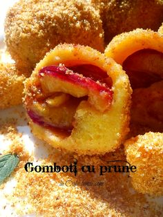 Szilvás gombóc / Zwetschkenknödel / Galuste cu prune  (Hungarian/ Austrian cuisine)