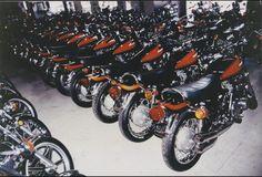 Kawasaki Heaven Kawasaki 900, Kawasaki Motorcycles, Cars And Motorcycles, Japanese Motorcycle, Honda Cb750, Bike Parts, Classic Bikes, Vintage Bikes, Sport Bikes