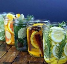 Again with the colors of citrus and natural materials. I also like original idea behind this post - natural room scents! _ DIY Natural Room Scents (this is such a great idea! Pot Mason, Mason Jars, Room Scents, Pot Pourri, Ideias Diy, Tips & Tricks, House Smells, Natural Cleaning Products, Household Products