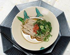 暑さに弱っているとき、サラッといただける紀州南高梅 しそを使った「梅干入りの蕎麦」のレシピ。