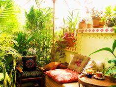 Boho Decor | Bohemian Living Outdoors ME ENCANTA AREA, CASA DE UNA DISEÑADORA TAILANDESA... LOVE IT