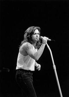 GARDEN Photo of John MELLENCAMP, performing live onstage