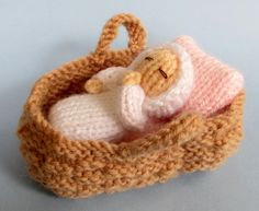 Flutterby Patch: FREE PATTERN - Baby in a basket crib                                                                                                                                                                                 More