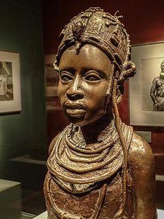 Bronze Sculpture of Ideal Benin Woman by Osaize Omodamwen Nigeria 1984 CE | por mharrsch