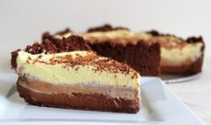 The modern, American cheesecake we all love was actually developed by a man called William Lawrence in as a result of his attempt to recreate the American Cheesecake, Triple Chocolate Cheesecake, Food Crafts, Cheesecake Recipes, Madagascar, Sweet Recipes, Biscuit, Sweets, Snacks