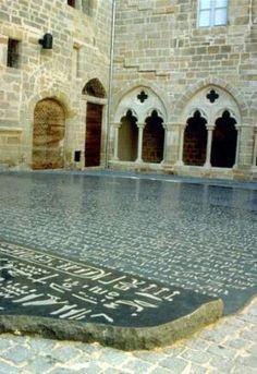 Musee Champollion, Tourisme Figeac, Place des Ecritures, Lot