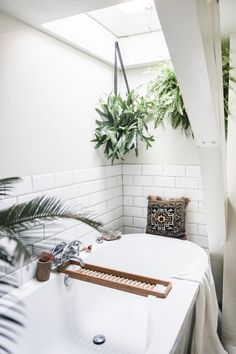 25 Small Bathroom Ideas to Turn Your Tiny Space into a Spa via Brit Co