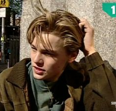 Imagem de aesthetic, and leonardo dicaprio Beautiful Boys, Pretty Boys, Leonardo Dicaprio Jung, Leonard Dicaprio, Basketball Diaries, Hxh Characters, 90s Aesthetic, Celebrity Crush, Pretty People