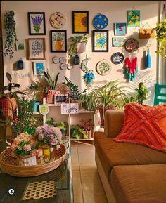 Living Room Plants, Living Room Decor, Colourful Living Room, Aesthetic Room Decor, Home Decor Inspiration, Decor Ideas, Home Interior Design, Boho Decor, Craft Cupboard