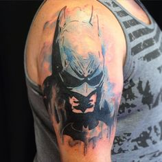 25 Best Batman Symbol Tattoo Ideas - Comic Superhero Check more at http://tattoo-journal.com/25-best-batman-tattoo-designs/