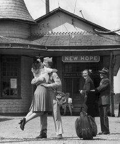Amor en tiempos de guerra: 40 preciosas imágenes de parejas