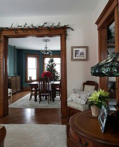 New Living Room Colors With Wood Trim Craftsman Style Ideas Stained Wood Trim, Dark Wood Trim, Wooden Trim, Natural Wood Trim, Wood Stain, Wood Wood, Dark Wood Living Room, New Living Room, Home And Living