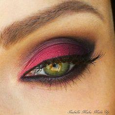 eye makeup make up beauty mascara lipstick bridal makeup smokey eyes makeup tips concealer makeup tutorial cosmetics Makeup For Green Eyes, Love Makeup, Makeup Tips, Makeup Looks, Hair Makeup, Sexy Makeup, Mascara, Eyeliner, Concealer